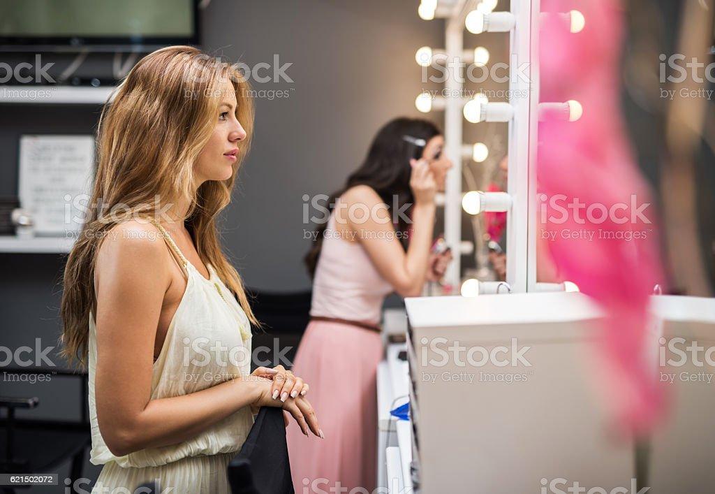 Young beautiful women in a make-up studio. photo libre de droits