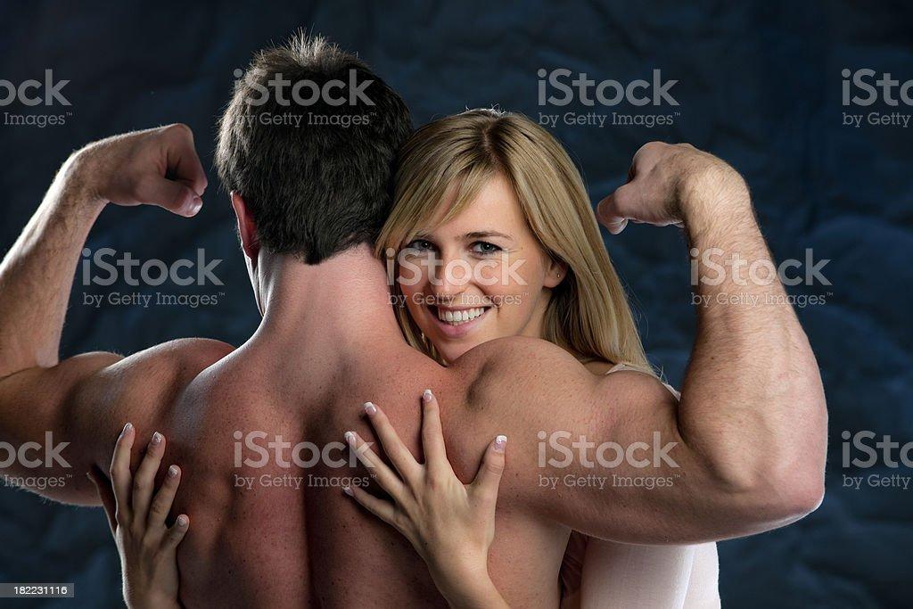 Fotografía de Joven Mujer Rubia Abrazar Musculoso Hombre Xxxl y más ...