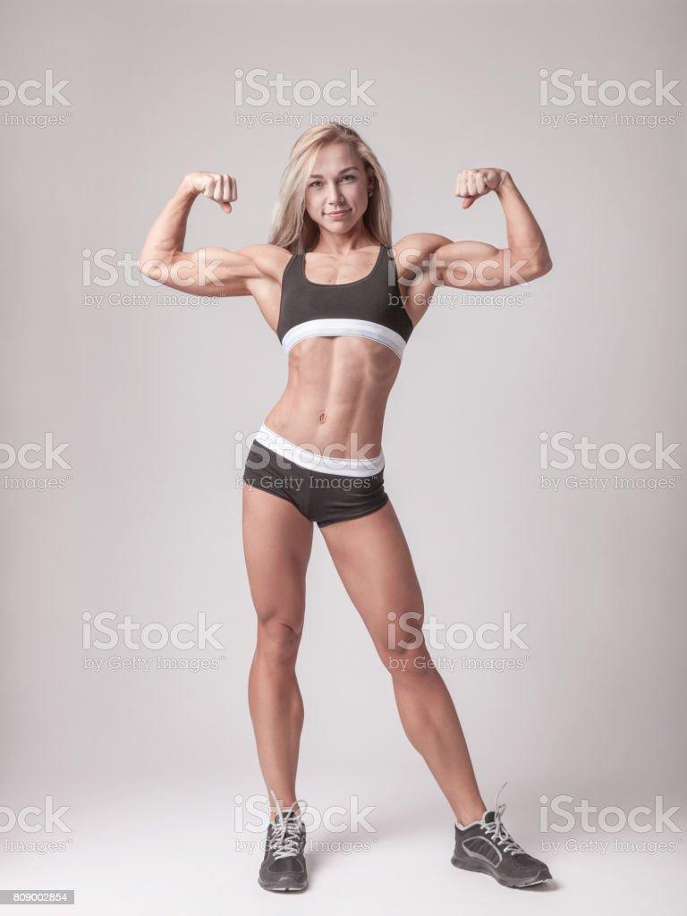 muskulöse athletische frauen körper