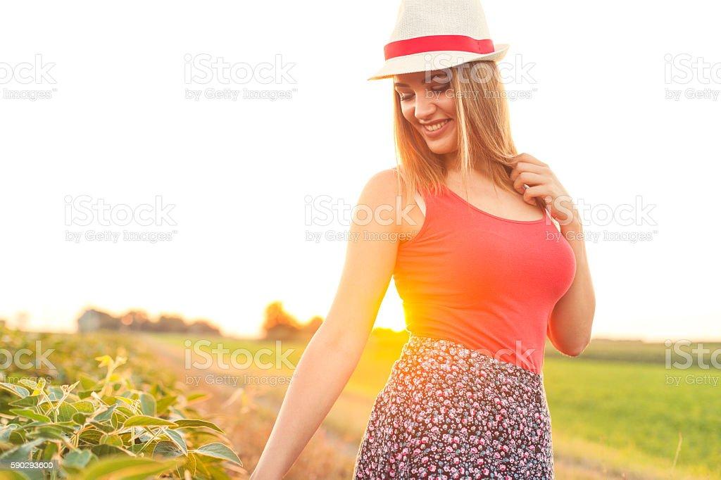 Young Blonde Woman In Hat royaltyfri bildbanksbilder