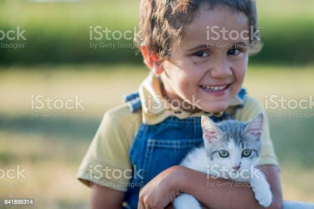 Young boy holding his kitten picture id641895314?b=1&k=6&m=641895314&s=612x612&h=7xcgapyik3ngrhky9i l2wuuvr1os atlgkujdj ssy=