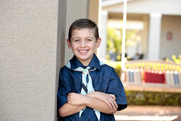jóvenes boy scout - boy scout fotografías e imágenes de stock