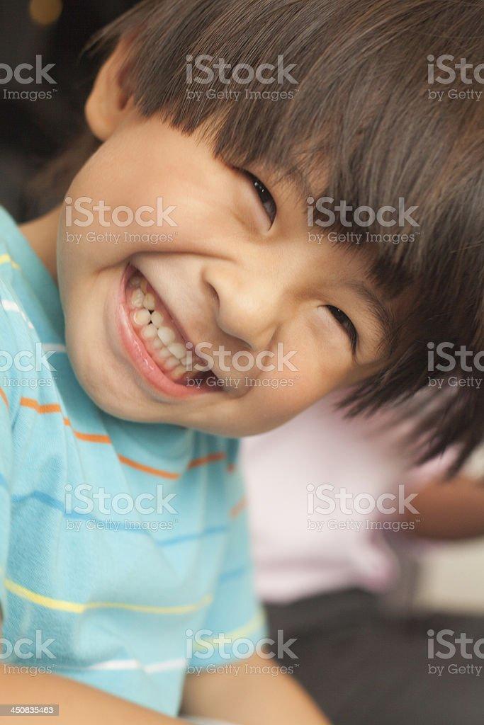Garoto sorridente - foto de acervo