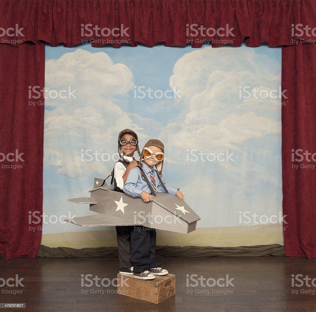 Jeunes garçons et pilotes avion Jouet avion - Photo