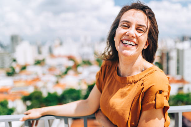 Young Brazilian woman portrait Young Brazilian woman portrait brazilian ethnicity stock pictures, royalty-free photos & images