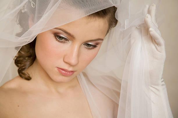 junge bride.xl - hochzeitskleid xl stock-fotos und bilder