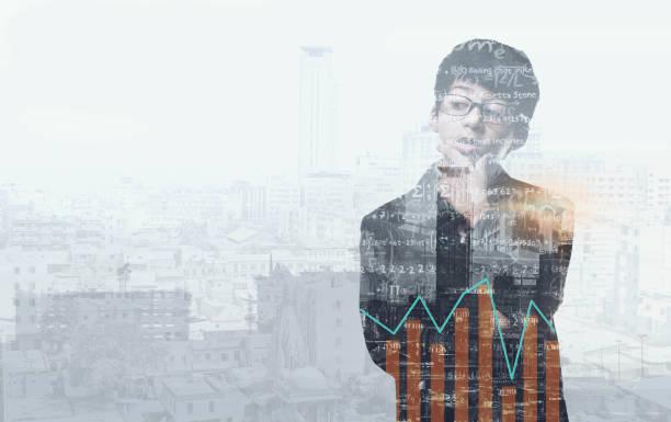 young business mann denken - grafik am bildschirm - wachstumstabelle baby stock-fotos und bilder