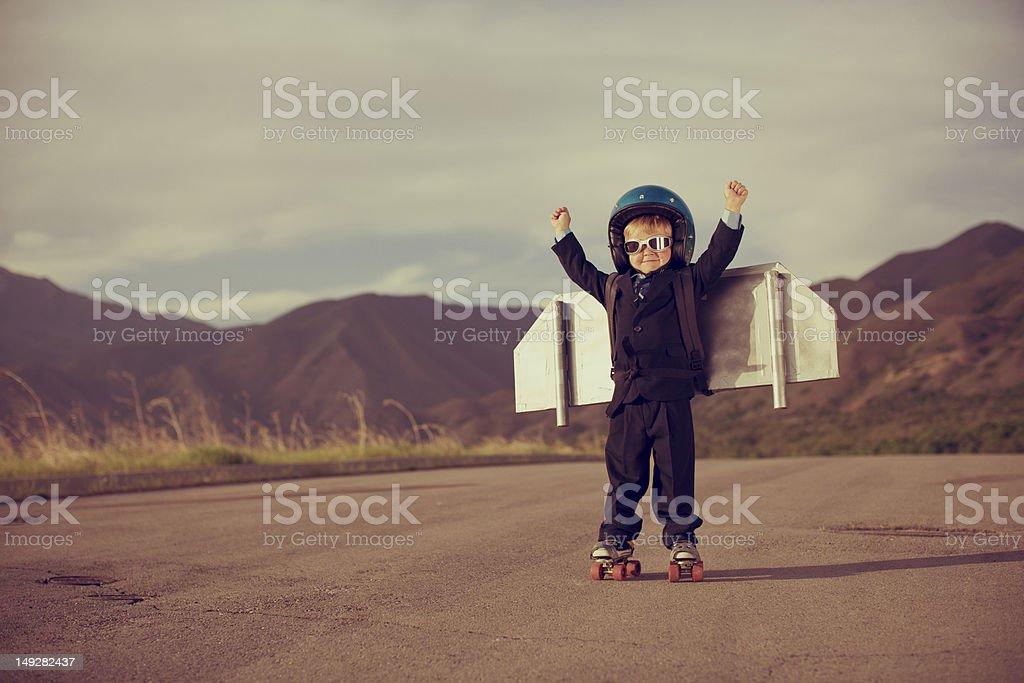 Young Business Boy Wearing de hidromasaje y patines de ruedas - foto de stock