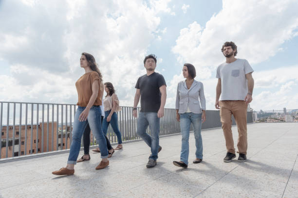 Junges Unternehmen Team zu Fuß in einer auf dem Dach – Foto