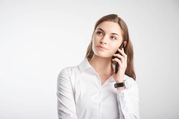 Junge Geschäftsfrau mit ihrem handlichen – Foto