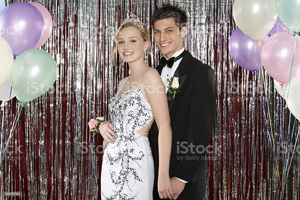 Young couple at prom - foto de acervo