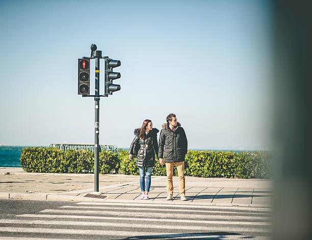 若いカップル観光 ストックフォト