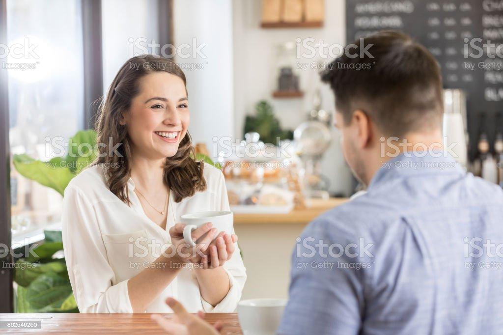 Wie oft sehen, einander beim ersten Dating