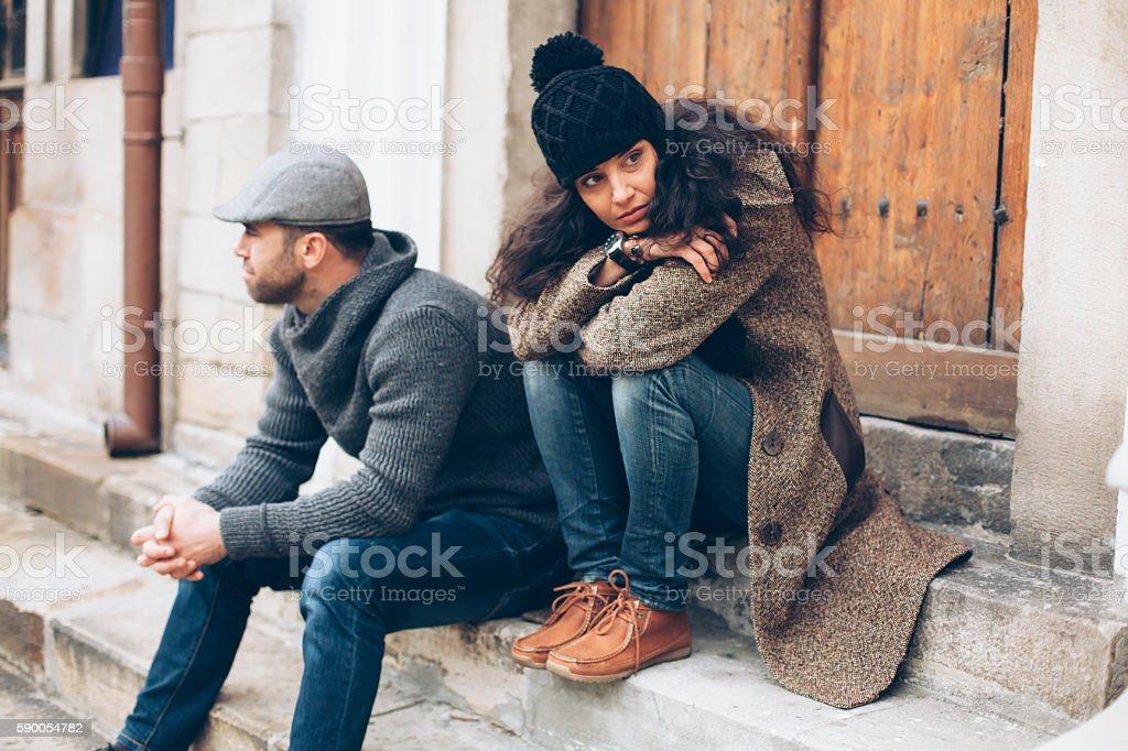 Junges Paar mit Beziehungsproblem – Foto