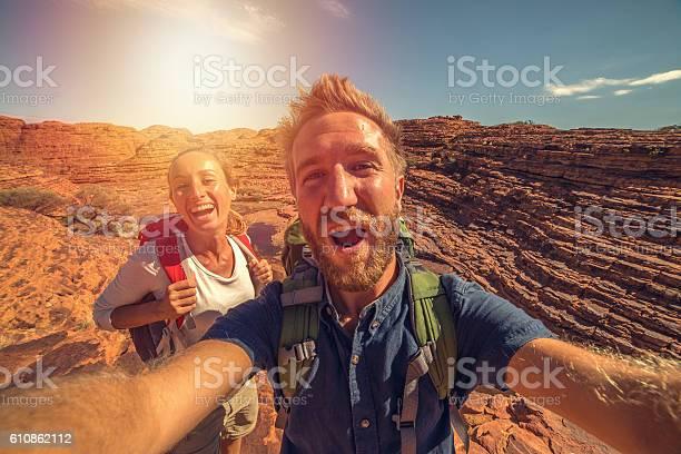 Young couple hiking in australia takes selfie portrait with landscape picture id610862112?b=1&k=6&m=610862112&s=612x612&h=omyjtz4ic066doz4afu7je8xxithiv7znq6vlfj9pno=