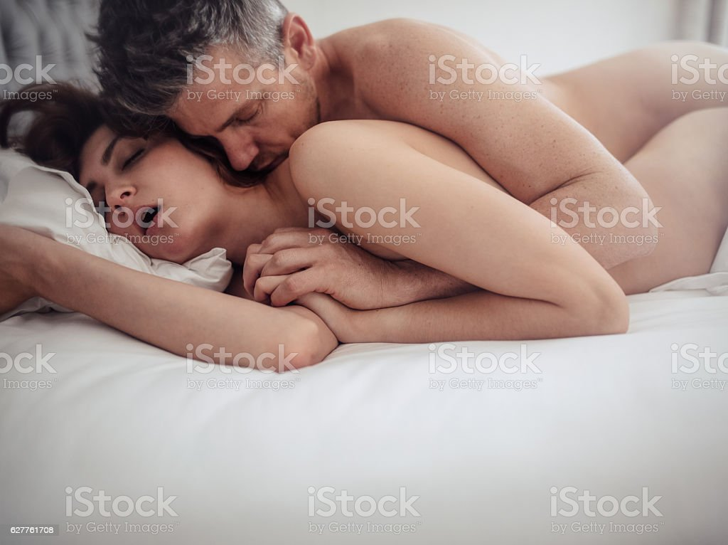 Www sex on bed com