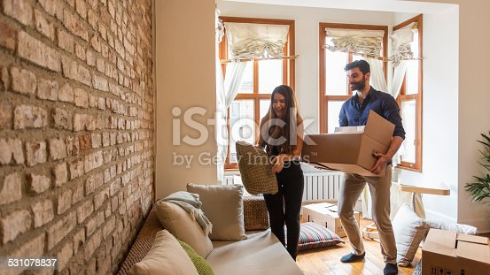 istock Young Couple Moving House 531078837