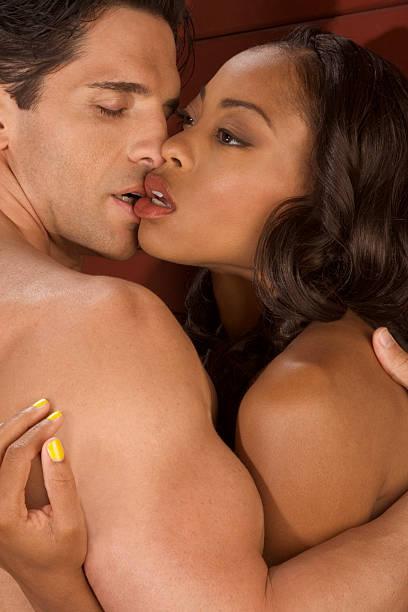 having-sex-nakedmen-and-woman-kissing-naked