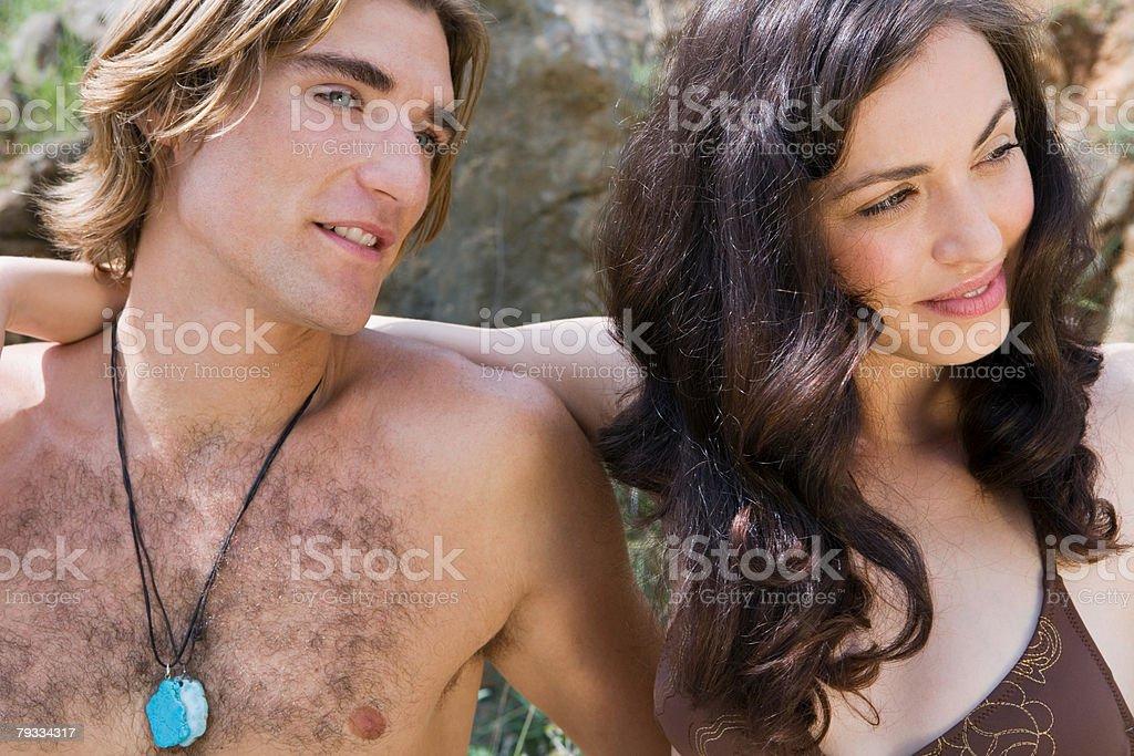 Junges Paar auf einer Sommer-Urlaub Lizenzfreies stock-foto