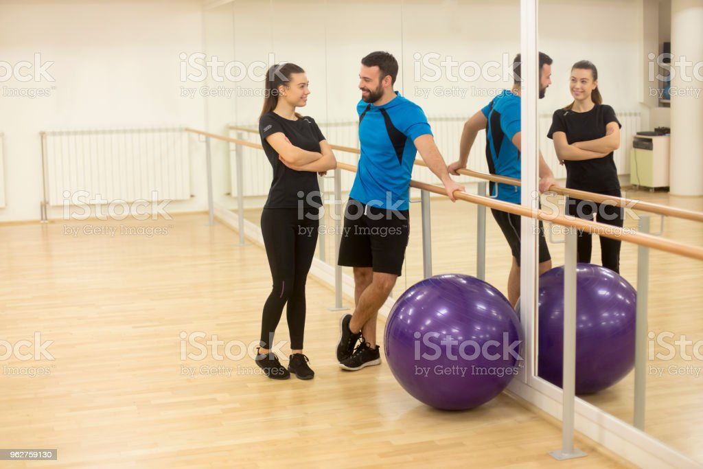 Young couple on training - Foto stock royalty-free di 20-24 anni