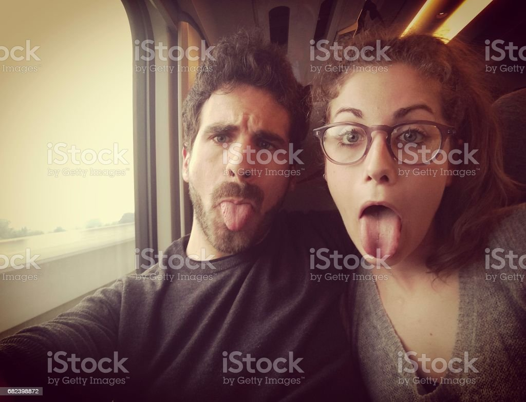 Jeune Couple une autophoto photo libre de droits