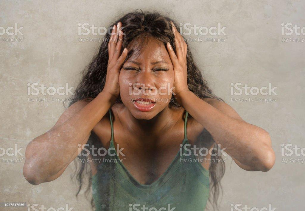 Mädchen weint nach intensivem