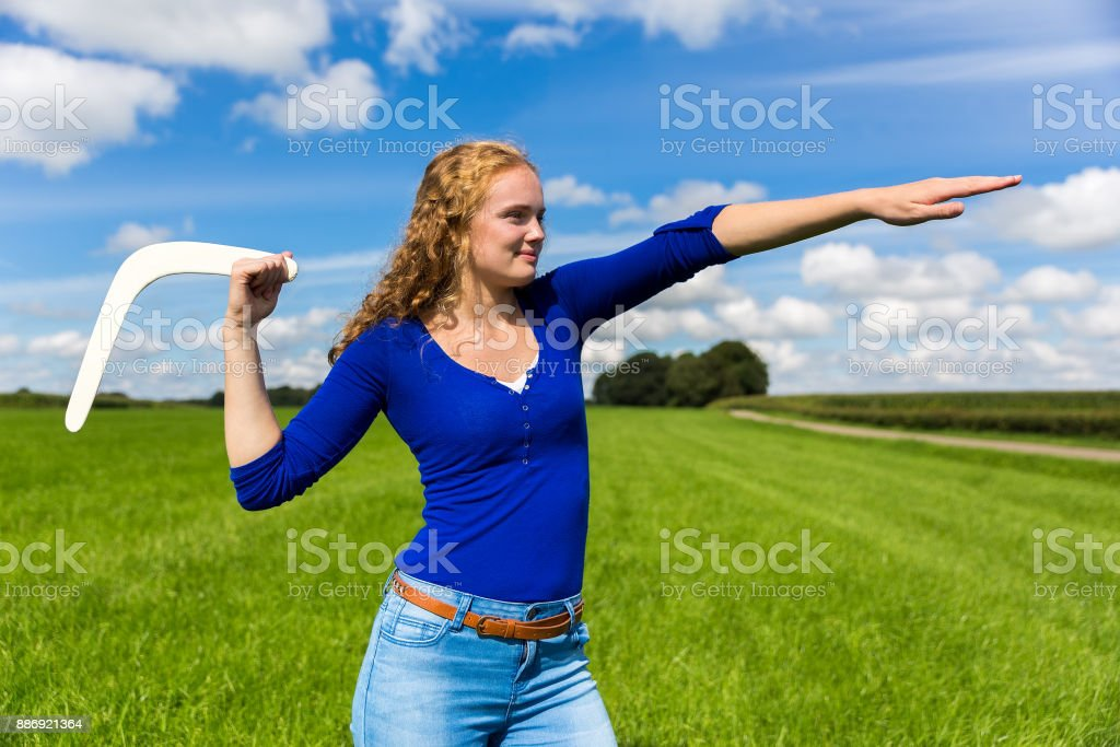 Boomerang lancer jeune femme hollandaise - Photo