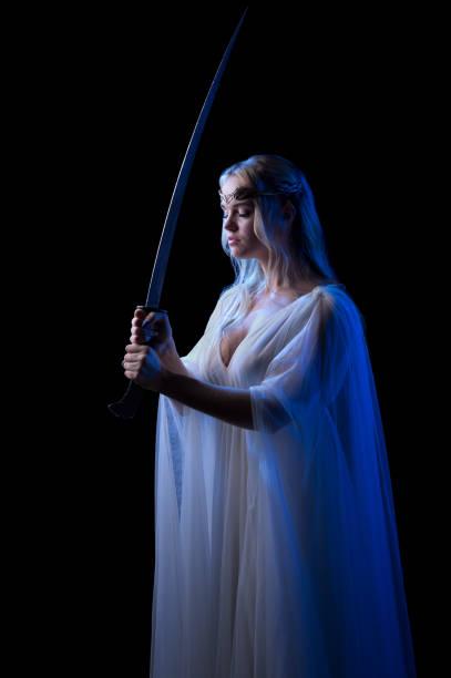junge elven mädchen - elfenkostüm damen stock-fotos und bilder