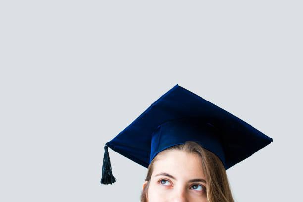 Junge Studentin an der university – Foto