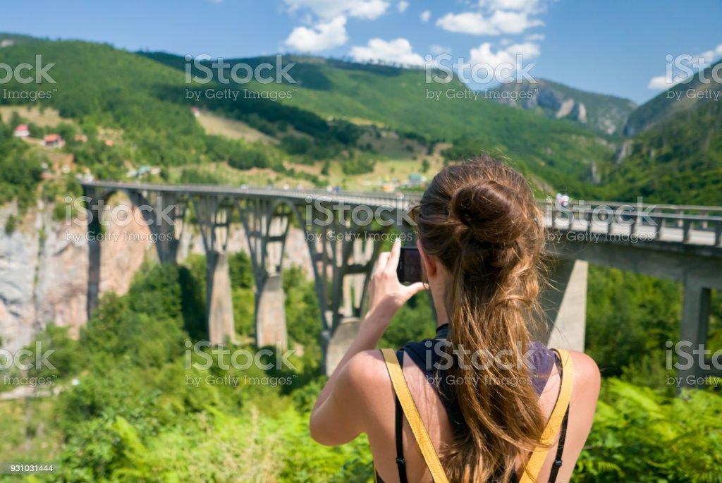 Model Hooker in Montenegro