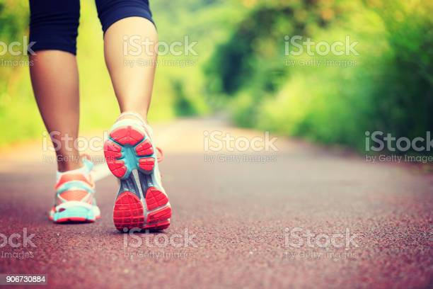 Young fitness female runner legs ready for run on forest trail picture id906730884?b=1&k=6&m=906730884&s=612x612&h=qkw6vpftj6ipjr5jqsxeyamektfpvdhhshqplqrt4y8=
