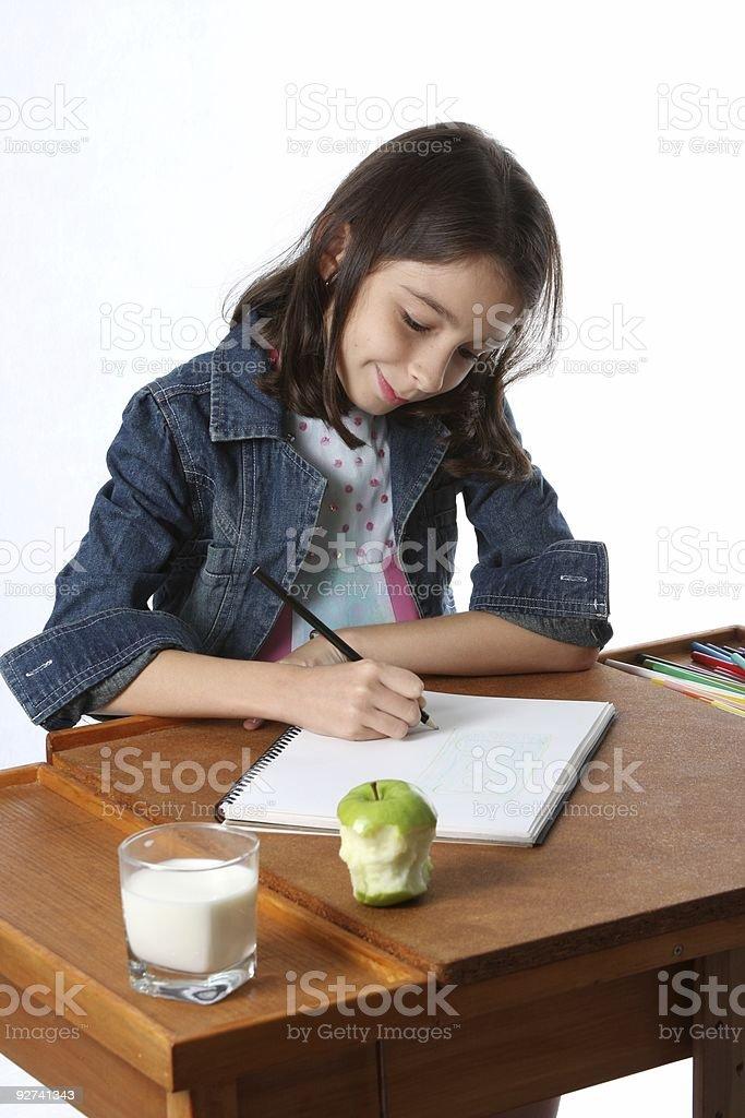 Junge Mädchen, die Hausaufgaben/Kind Lizenzfreies stock-foto