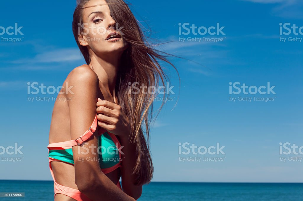 Giovane ragazza calda foto