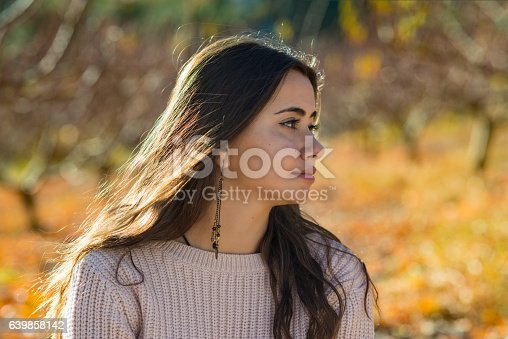 istock Young girl portrait in the fall 639858142