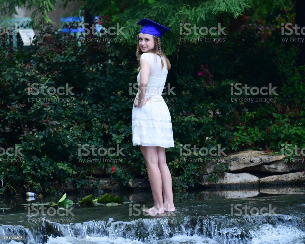 Photo Libre De Droit De Jeune Fille Posant Pour High School
