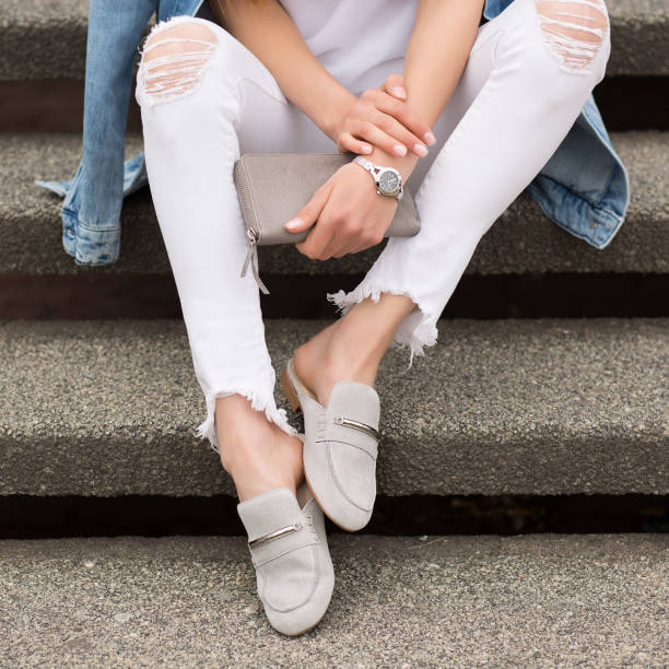 Young girl sitting on stair outdoor fashion outfits picture id967724618?b=1&k=6&m=967724618&s=612x612&w=0&h=xmb 70b3ibmlwzkqsbs3gt afaevkrlcy gpyskca3w=