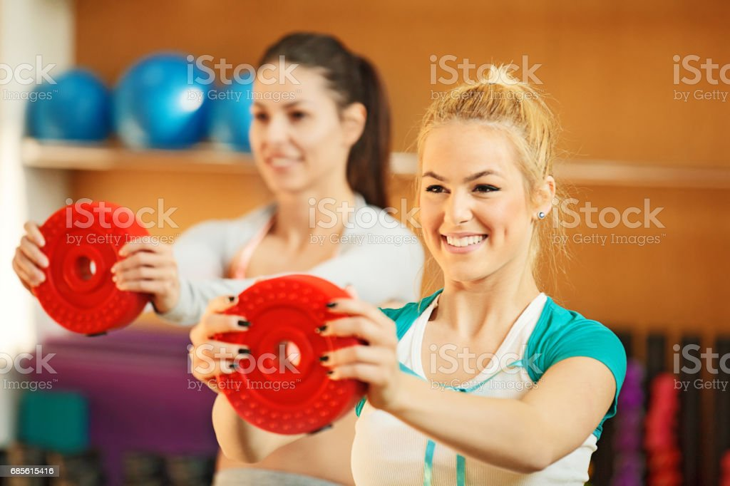 Young Girls Exercising in the Gym royalty-free 스톡 사진