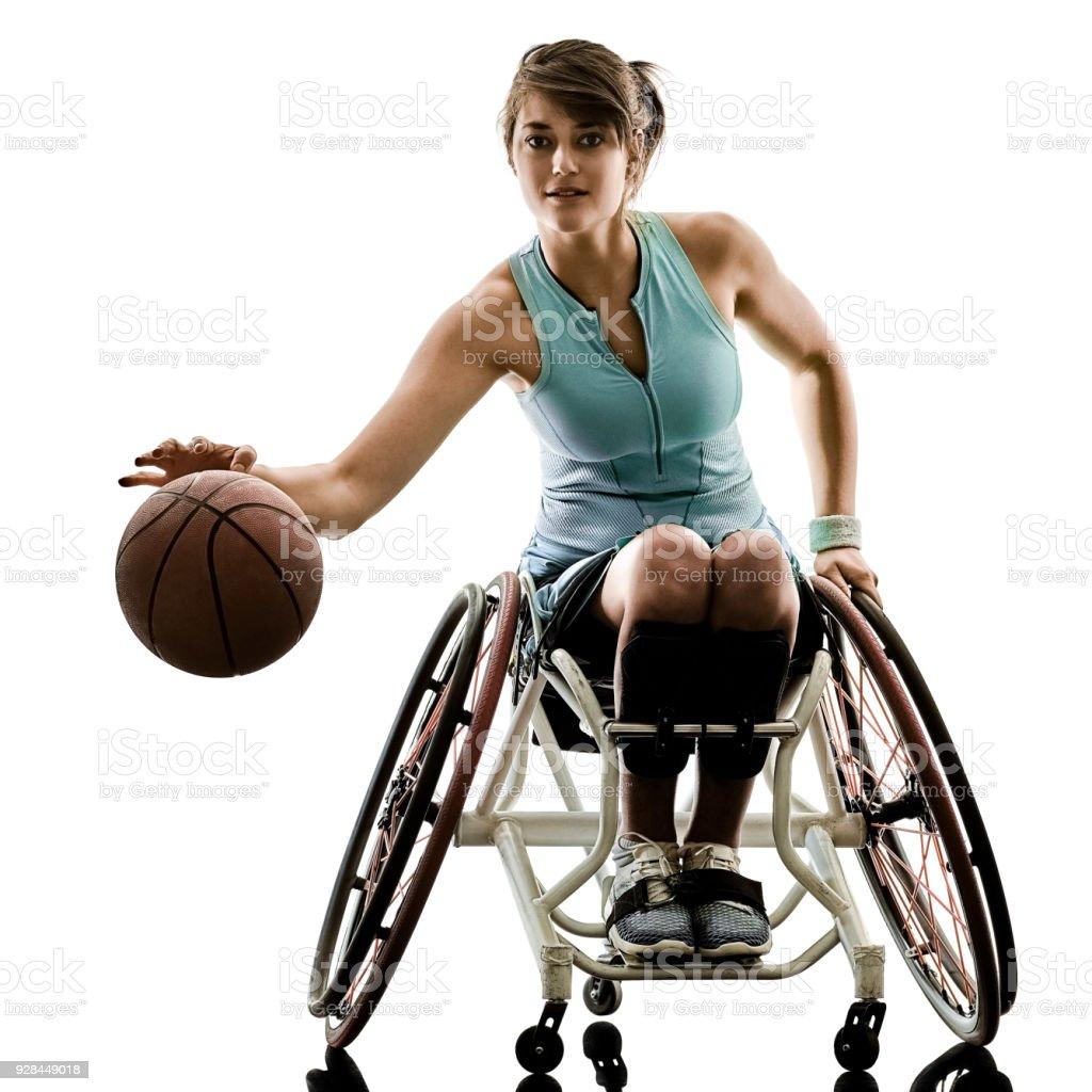 jovens deficientes cesta bola jogador mulher de cadeira de rodas esporte iso - foto de acervo