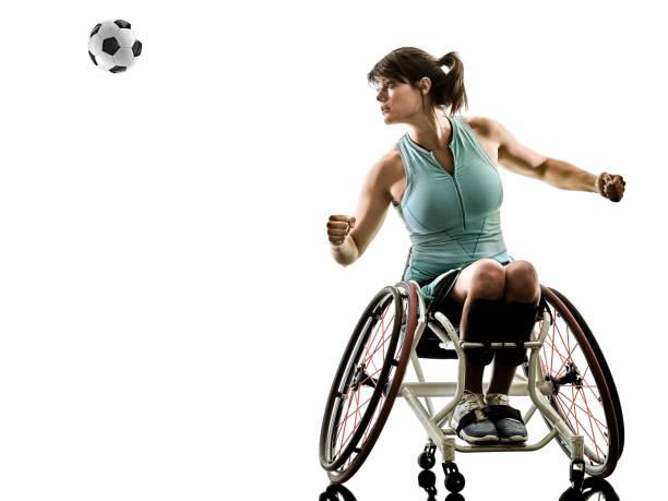joueur de tennis handicapés jeune femme welchair sport si isolé - sports en fauteuil roulant photos et images de collection