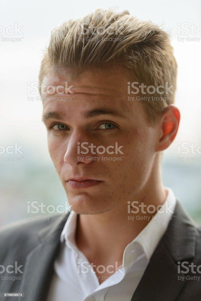 Mit blonden jungs haaren hübsche Wunderschöne junge