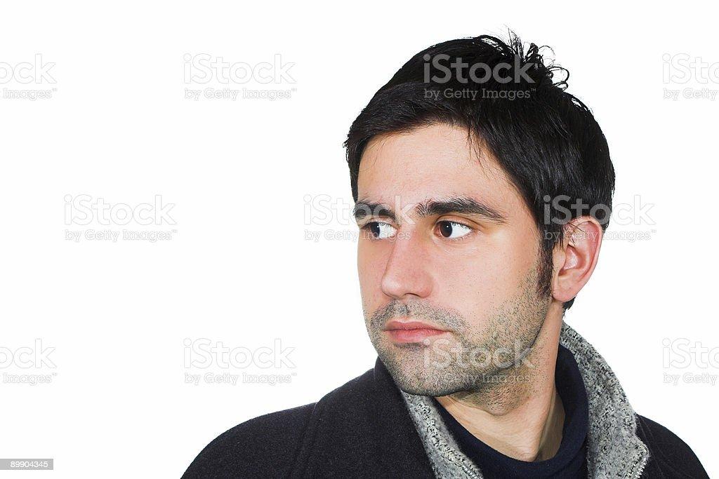 Hombre atractivo joven posando en negro chaqueta de invierno foto de stock libre de derechos