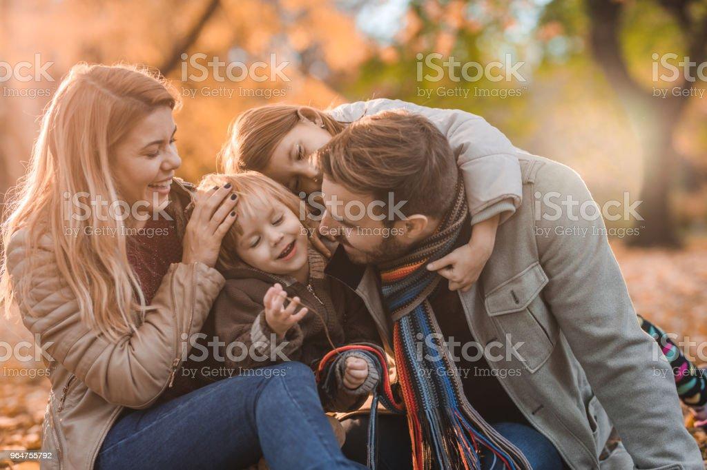 filles jouir en public
