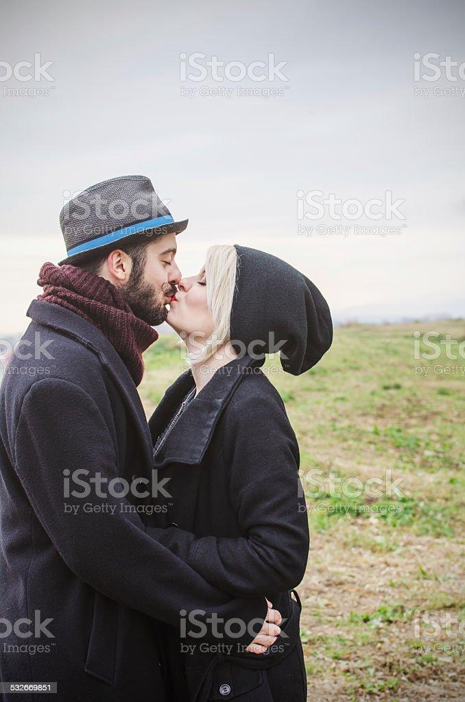 Фото целуют трусы, амнезия жанр порно