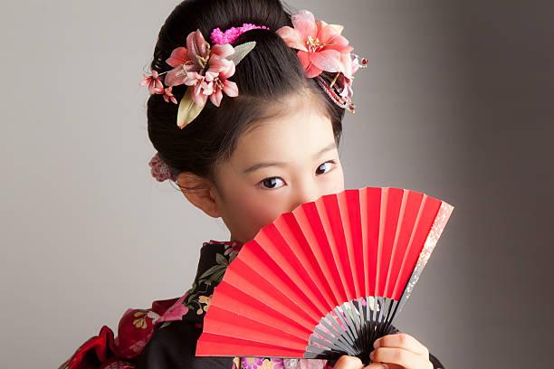 feiern shichi go san - japanischer fächer stock-fotos und bilder