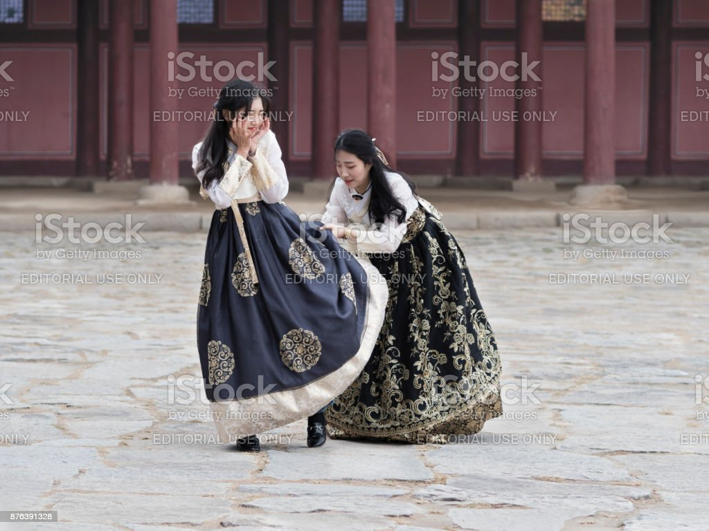 Young Korean Girls In Traditional Hanbok Dresses At Gyeongbokkung Stock Photo Download Image Now Istock