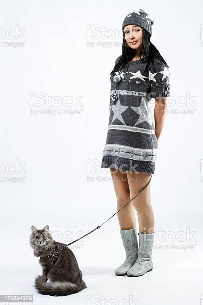 Young lady with a cat picture id176894926?b=1&k=6&m=176894926&s=612x612&h=pj7s8f6lbsc8cyuzhhzbe4rrujvrvja0iwvg2mqhs0i=