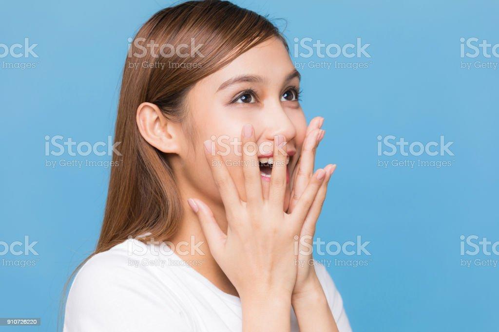 Jovem garota latina da expressão feliz. - foto de acervo