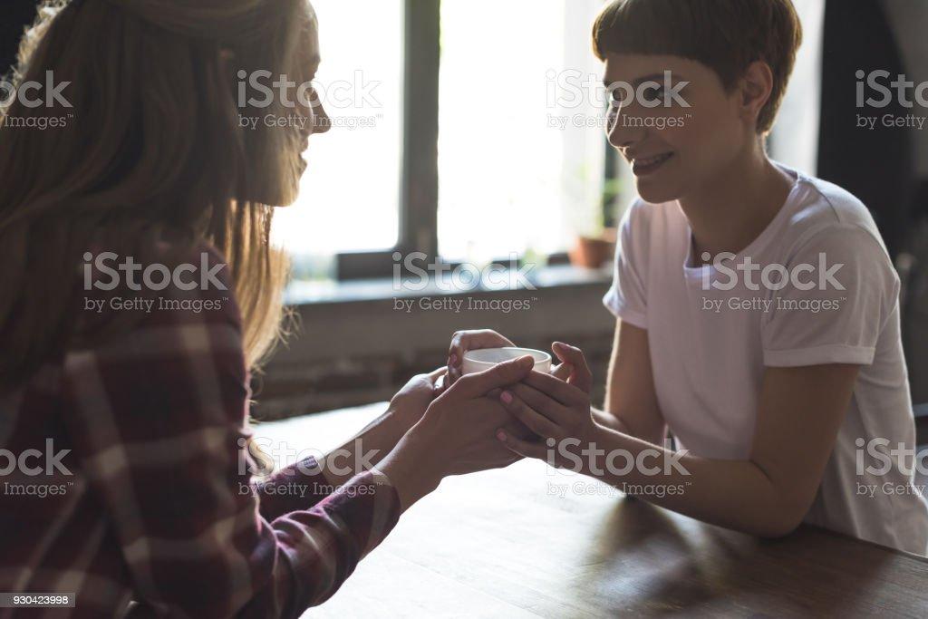 Junge Lesben essenSchwarze Mädchen spielen Muschi