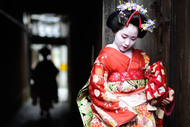 young maiko in kyoto - japanese culture stock pictures, royalty-free photos & images