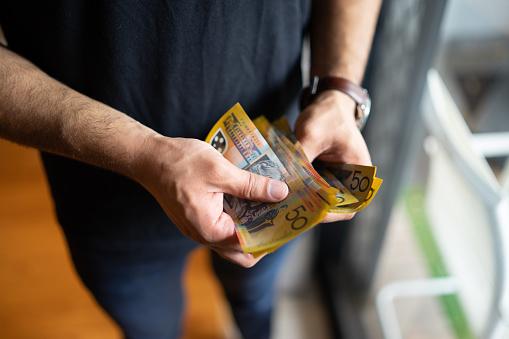 お金と男性|KEN'S BUSINESS|ケンズビジネス|職場問題の解決サイト